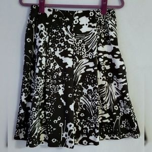 Talbots Petite Black White Pleated Floral Skirt